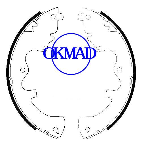 Ford ESCAPE Mazda TRIBUTE Mercury MARINER Set ganasce freno a tamburo FMSI: 1629-S936 OEM: 8L8Z-2200-B