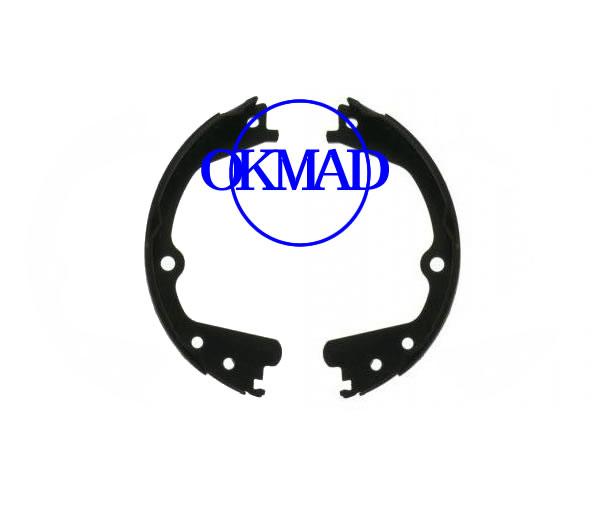 Ford E100/150 E200/250 E300/350 E450 SERIE VAN Set ganasce freno a tamburo FMSI: 1640-S952 OEM: 8C2Z-2648-A